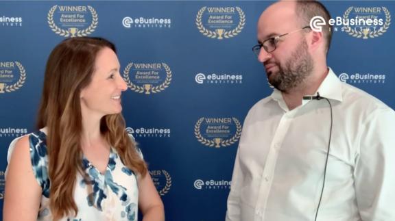 Liz Raad interviews Thomas Smale from FE International